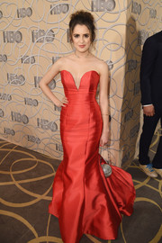 Laura Marano cut a shapely silhouette in a red sweetheart-neckline mermaid gown by Rita Vinieris at the HBO Golden Globes after-party.