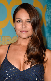 Yara Martinez looked sweet wearing this wavy side sweep at the HBO Golden Globes party.