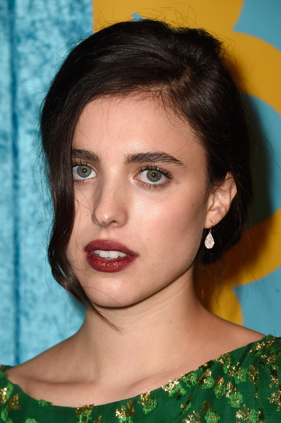 Margaret Qualley opted for a simple, loose updo when she attended the HBO Golden Globes party.