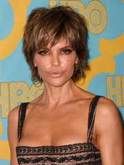 Lisa Rinna made an appearance at the HBO Golden Globes party rocking a mussed-up layered cut.