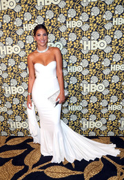 Liz Hernandez left us breathless with this strapless white mermaid gown she wore to the HBO Golden Globes post-party.
