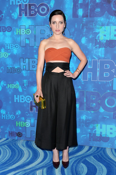 Zoe Lister Jones finished off her outfit with a pair of burgundy platform pumps.