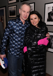 Patty Smyth's hot-pink gloves certainly put a zing to her dark outfit.