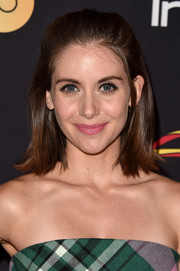 Alison Brie looked youthful wearing this half-up lob at the HFPA and InStyle TIFF celebration.