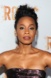 Anika Noni Rose styled her hair into a messy pompadour for the 'Night One' premiere of 'Roots.'