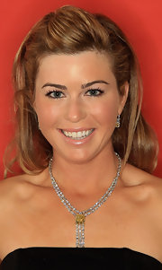 Paula Creamer swept her hair back in a lovely half-up half-down 'do for the HSBC Women's Champions photocall.