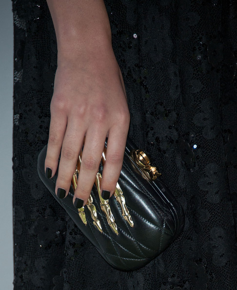 Hailee Steinfeld Quilted Clutch [beyond hunger: a place at the table,nail,nail polish,nail care,manicure,finger,hand,cosmetics,footwear,material property,shoe,arrivals,hailee steinfeld,montage beverly hills,california,heifer international,3rd annual beyond hunger: a place at the table gala]
