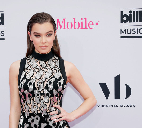 Hailee Steinfeld Dark Nail Polish [beauty,fashion,premiere,hairstyle,dress,fashion model,carpet,lip,neck,shoulder,virginia black,hailee steinfeld,billboard music awards,las vegas,nevada,t-mobile arena,virginia black - red carpet]
