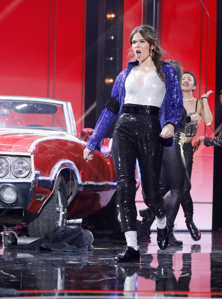 Hailee Steinfeld Sequined Jacket [handout photo,clothing,performance,jeans,vehicle,footwear,car,muscle,event,auto show,model,hailee steinfeld,california,hollywood,dolby theatre,paramount,lip sync battle live: a michael jackson celebration]