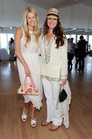 Brooke Shields looked summery chic in this off white embellished tunic.