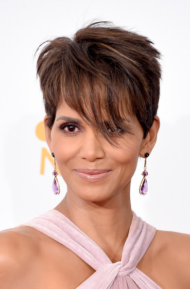 Halle Berry Layered Razor Cut [press room,hair,beauty,hairstyle,chin,hair coloring,bangs,brown hair,layered hair,long hair,fashion model,halle berry,hair,hairstyle,hairstyle,brown hair,hair integrations,beauty,press room,primetime emmy awards,halle berry,hairstyle,pixie cut,short hair,cosmetics,hair,wig,fashion,artificial hair integrations]