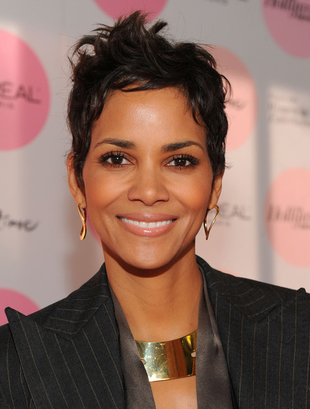 Halle Berry Messy Cut [power 100: women in entertainment breakfast,hair,hairstyle,eyebrow,forehead,chin,black hair,lip,smile,hair coloring,long hair,halle berry,arrivals,the beverly hills hotel,beverly hills,california,hollywood reporter,the hollywood reporter]