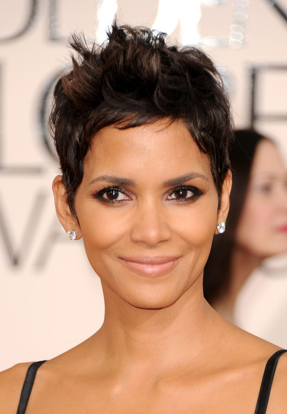 Halle Berry Messy Cut [hair,eyebrow,hairstyle,human hair color,beauty,chin,forehead,black hair,eyelash,fashion model,arrivals,halle berry,hotel,beverly hills,california,the beverly hilton,golden globe awards]
