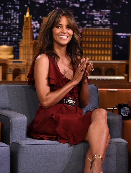 More Pics of Halle Berry Cocktail Dress (4 of 5) - Halle Berry Lookbook - StyleBistro