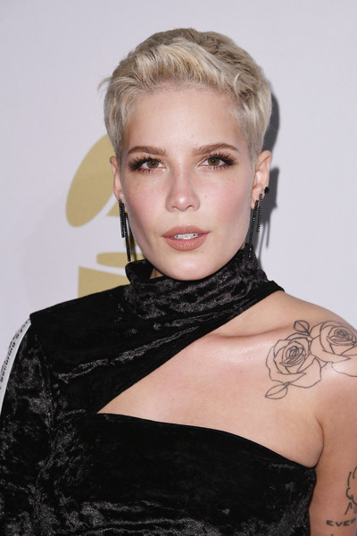 Halsey Boy Cut [hair,shoulder,face,hairstyle,blond,eyebrow,beauty,lady,chin,lip,debra lee - arrivals,debra lee,singer halsey,salute to industry icons,california,los angeles,the beverly hilton,pre-grammy gala]