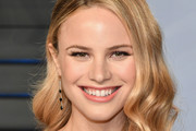 Halston Sage Medium Wavy Cut