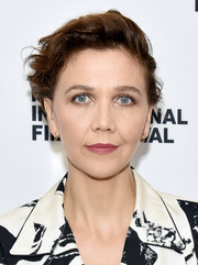 Maggie Gyllenhaal wore her hair in a mussed-up style at the 2018 Hamptons International Film Festival.