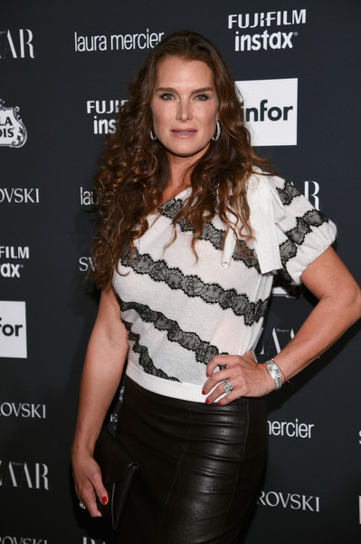 More Pics of Brooke Shields One-Shoulder Top (4 of 6) - Brooke Shields Lookbook - StyleBistro [clothing,fashion,long hair,fashion model,brown hair,dress,premiere,muscle,leather,style,carine roitfeld,stella artois,laura mercier,icons,swarovski - red carpet,harpers bazaar celebrates,plaza hotel,infor,fujifilm,harpers bazaar celebration]