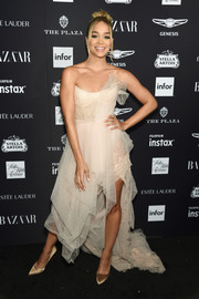 Jasmine Sanders opted for a nude corset gown by Ermanno Scervino when she attended the 2018 Harper's Bazaar Icons event.