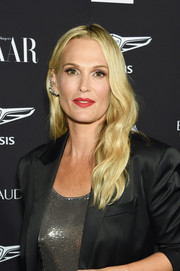Molly Sims looked radiant with her blonde waves at the 2018 Harper's Bazaar Icons event.