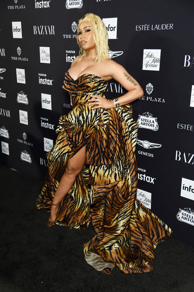 Nicki Minaj brought some animal appeal to the 2018 Harper's Bazaar Icons event with this strapless tiger-print gown by Alexandre Vauthier Couture.