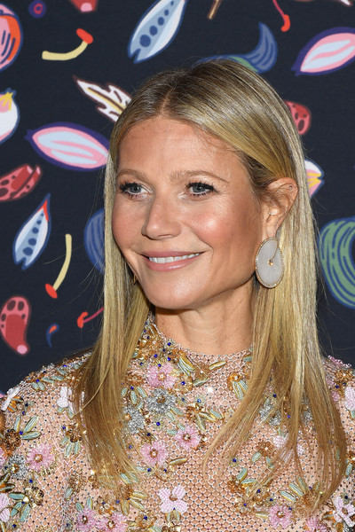 Gwyneth Paltrow stuck to her usual long straight cut when she attended the Harper's Bazaar exhibition.