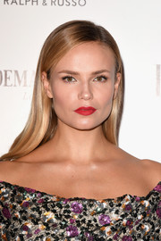 Natasha Poly looks absolutely gorgeous even with the simplest of hairstyles!
