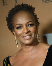 Vanessa Bell Calloway attended the Washington DC premiere of 'Harriet' wearing her hair in short curls.