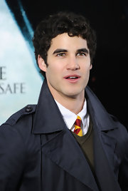 Glee actor Darren Criss wore his hair in short curls for the Deathly Hallows premiere.