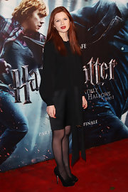 Adorable Bonnie Wright looked oh so grown up in sophisticated black peep-toe pumps.