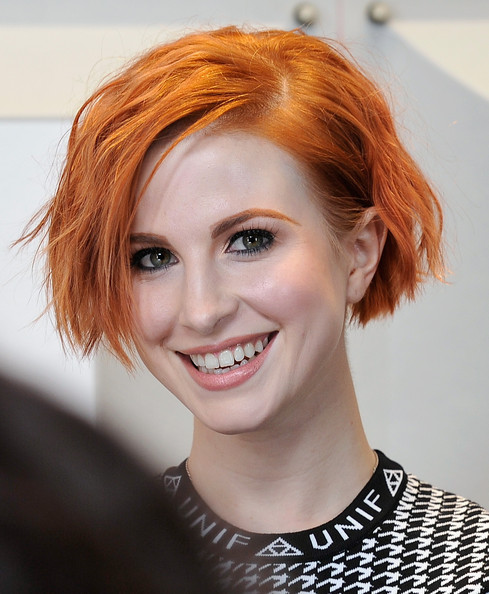 Hayley Williams Layered Razor Cut [hair,face,hairstyle,eyebrow,red hair,lip,chin,hair coloring,beauty,skin,hayley williams,backstage,las vegas,nevada,mgm grand garden arena,paramore,iheartradio music festival]