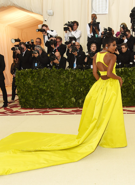 More Pics of Gabrielle Union Evening Dress (2 of 9) - Dresses & Skirts Lookbook - StyleBistro [red carpet,dress,yellow,clothing,gown,carpet,flooring,fashion,shoulder,event,heavenly bodies: fashion the catholic imagination costume institute gala - arrivals,new york city,metropolitan museum of art,gabrielle union]