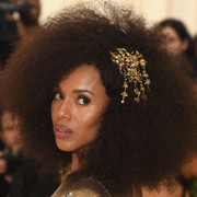 Kerry Washington flaunted her natural hair at the 2018 Met Gala.