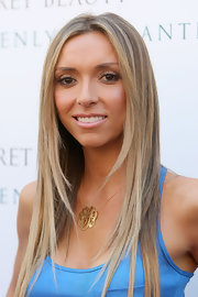 Giuliana donned a gold insignia necklace with her bright top for the Heavenly Enchanted Fall Fragrance Festival.