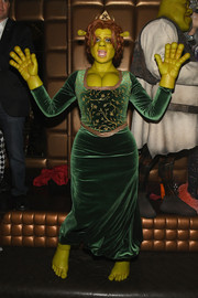 Heidi Klum hosted her 19th annual Halloween party dressed as a very busty Princess Fiona.