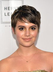 Sami Gayle swiped on some gold eyeshadow for a glowing beauty look.