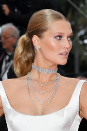 Toni Garrn pulled her hair back into a ponytail for the 2019 Cannes Film Festival screening of 'A Hidden Life.'