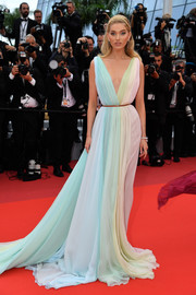 Elsa Hosk was eye candy in a multi-pastel Grecian gown by Etro at the 2019 Cannes Film Festival screening of 'A Hidden Life.'