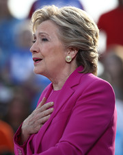 Hillary Clinton sported a textured short 'do while campaigning in North Carolina.