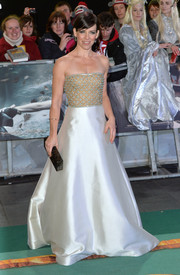 Evangeline Lilly stunned the crowds in a gorgeous Reem Acra ballgown at the world premiere of 'The Hobbit: Battle of the Five Armies.'