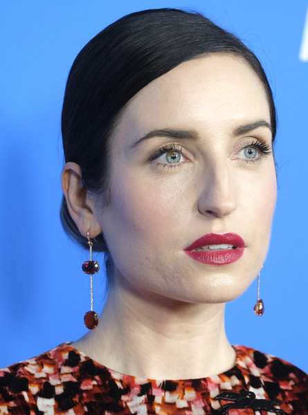 Zoe Lister Jones looked elegant with her neat chignon at the HFPA Grants Banquet.