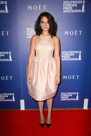 Jenny Slate was sweet and girly in a pale-pink fit-and-flare cocktail dress by Honor at the Hollywood Foreign Press Association's Grants Banquet.