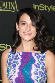 Jenny Slate topped off her look with high-volume, bouncy curls when she attended the Golden Globe Award season celebration.