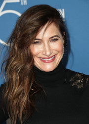 Kathryn Hahn looked oh-so-glam with her side-swept waves at the Television Game Changers panel discussion.