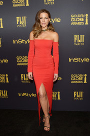 Kate Beckinsale was red-hot in a form-fitting, high-slit off-the-shoulder gown by Mugler at the HFPA and InStyle Golden Globe Award season celebration.