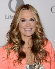 Molly Sims looked oh-so-lovely with her center-parted wavy 'do at the Women in Entertainment Breakfast.