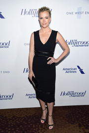 Megyn Kelly complemented her dress with sexy strappy heels.