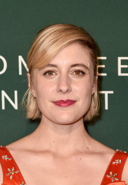 Greta Gerwig kept it simple yet sweet with this short 'do with side-swept bangs at the Hollywood Reporter Nominees Night.