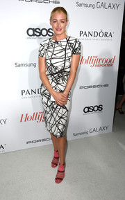 Cat Deeley looked very sophisticated at the Hollywood Reporter Emmy party in this black-and-white print dress.