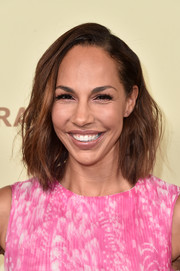 Amanda Brugel looked stylish with her textured mid-length bob at the Hollywood Reporter and SAG-AFTRA Emmy nominees night.